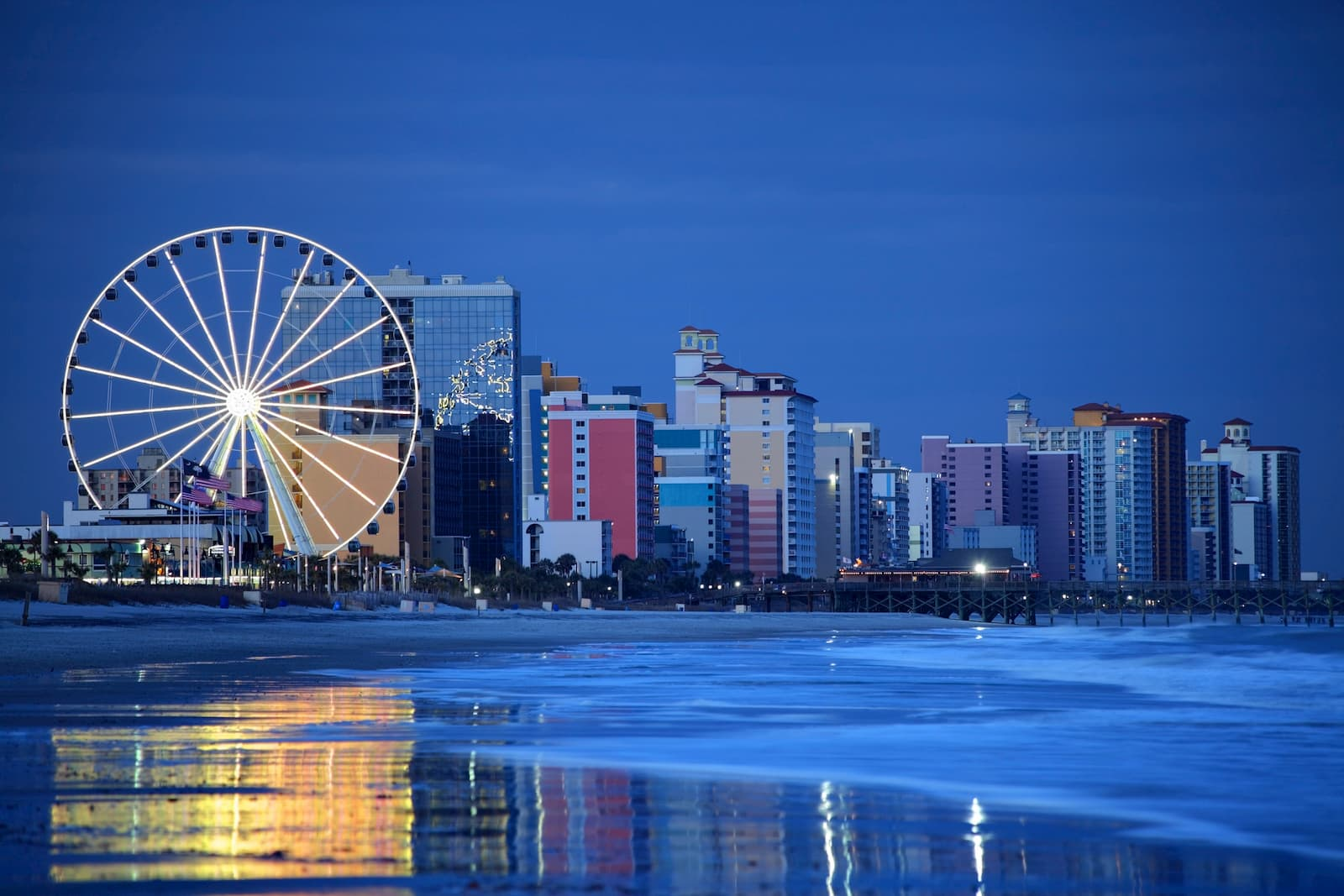 skywheel ferris wheel in myrtle beach south carolina at dusk